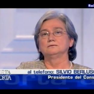 Berlusconi delira chiediamo rispetto per le donne for Parlamentari pd donne